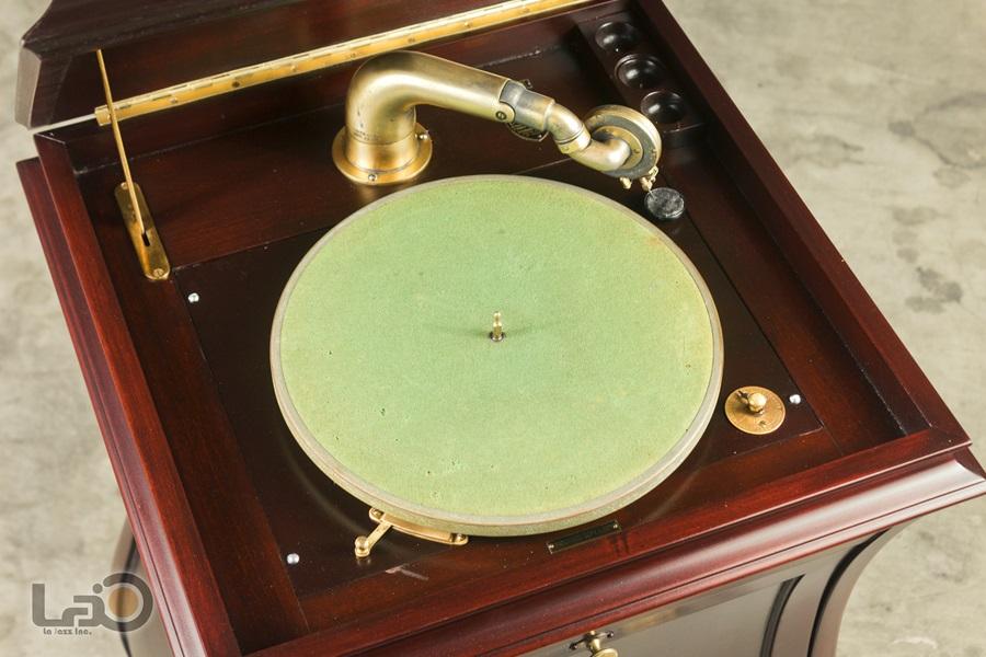 - PURITAN – PHONOGRAPH ◇ ピューリタン 1917年製SPレコード用蓄音器 ◇7