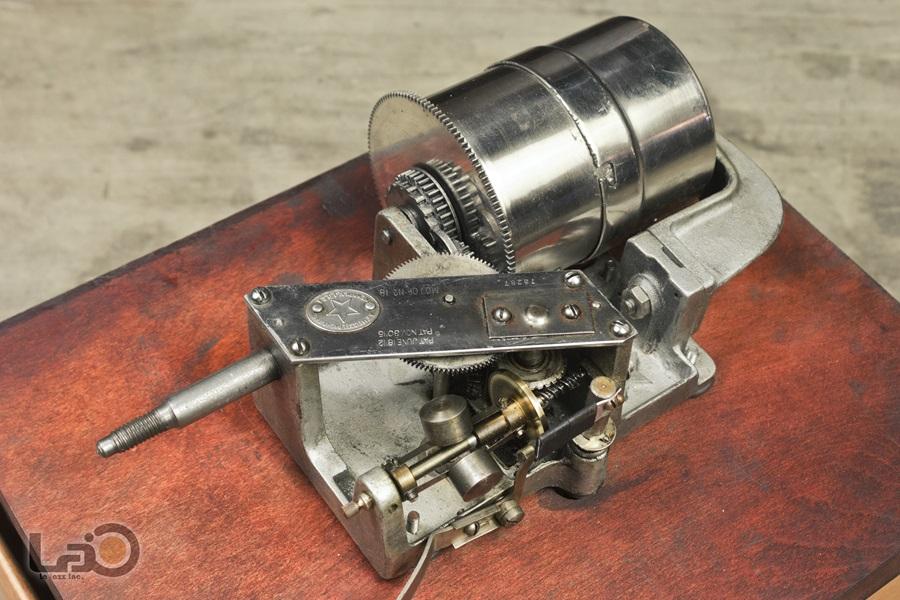 - PURITAN – PHONOGRAPH ◇ ピューリタン 1917年製SPレコード用蓄音器 ◇24